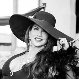 Perla Hudson Social Profile