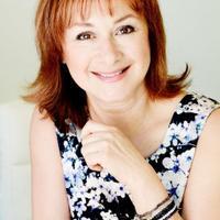 Ariane Poole | Social Profile