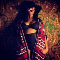 Mona Lisa | Social Profile