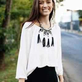 Gabriela Moura | Social Profile