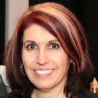 Lisa Arrow | Social Profile