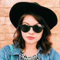 Molly | Social Profile