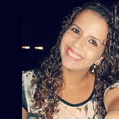 Camila Sousa | Social Profile