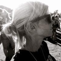 Lizzie Hodgson | Social Profile