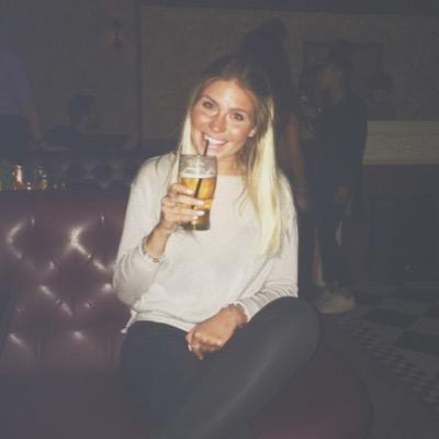 emilie t | Social Profile