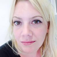 Holly Williams | Social Profile