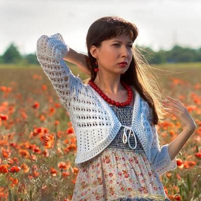 Katerina L.   Social Profile