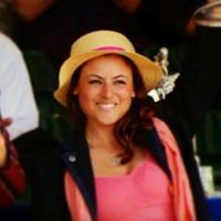 Zoe De Toledo | Social Profile