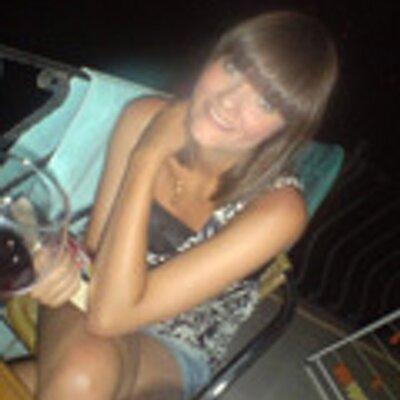 Anneke Hak | Social Profile