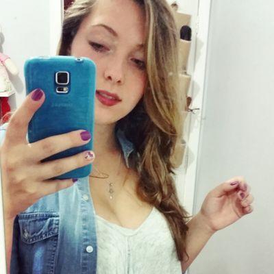 Nicolle | Social Profile