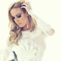 Yonah Eveline | Social Profile
