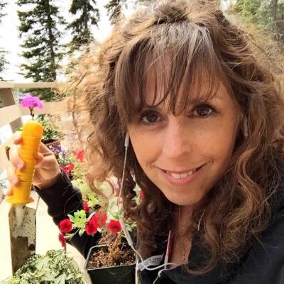 Kirsten Uhler | Social Profile