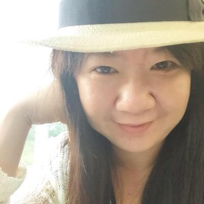 克莉獅   Social Profile