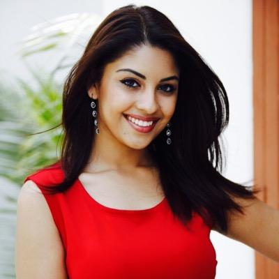 Follow Richa Gangopadhyay Twitter Profile