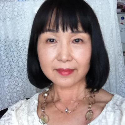 江 | Social Profile