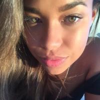 CORÁLIZ | Social Profile