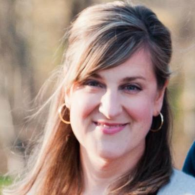 Elizabeth Barr | Social Profile