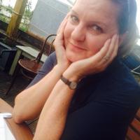 Laura Dewar | Social Profile