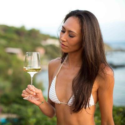 Nathalie De Clercq | Social Profile