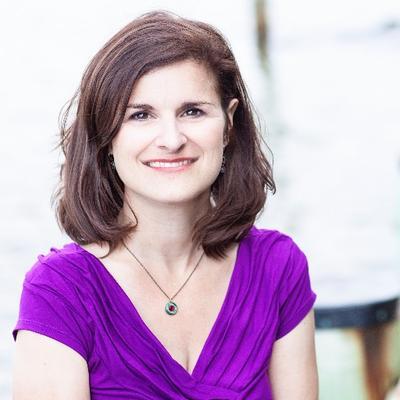 Lea Nolan | Social Profile