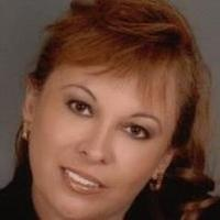 Jackie Burgoa | Social Profile