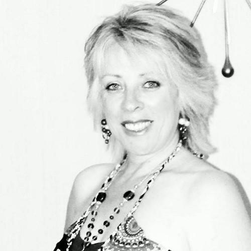 Emzy Lemezma Social Profile