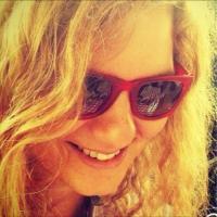Ece Dorsay | Social Profile