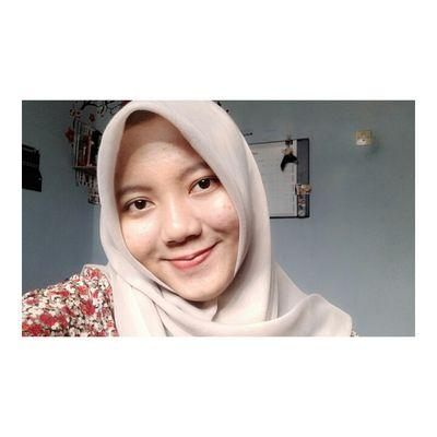 Indri Nur Afdiyanti | Social Profile
