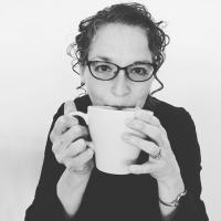 Crystal Elliott   Social Profile