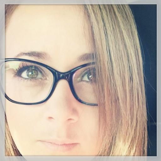 Viviana Araya Social Profile