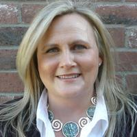 Caroline Pointer | Social Profile