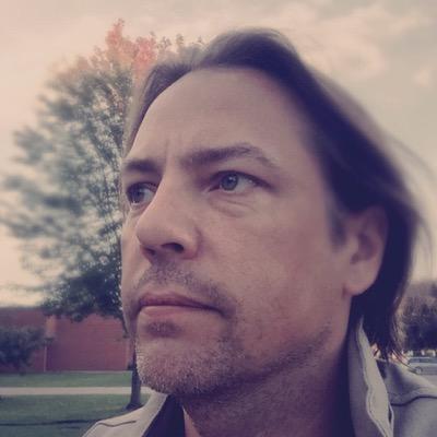 Carlos Eberhardt | Social Profile