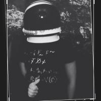 a.Ylz | Social Profile