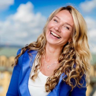 Yvonne Fosser | Social Profile