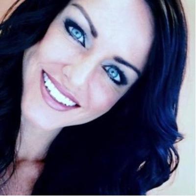 Elizabeth Brown | Social Profile