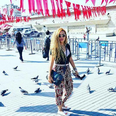 Farah Zaki | Social Profile