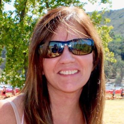 Diane Pent | Social Profile