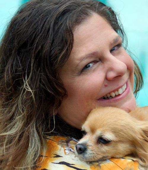 Carolyn McCray Social Profile