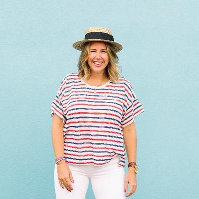 Kelly Lynn Armstrong | Social Profile