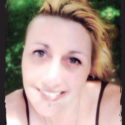 Lynette Meluccy   Social Profile