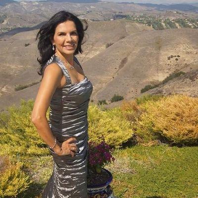 Leticia Flack | Social Profile