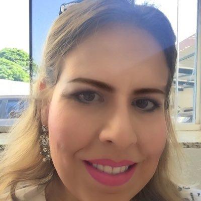 JULIANA CUNHA | Social Profile