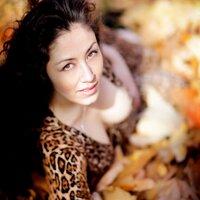 Alexandra Tonelli | Social Profile