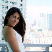 Thalia Vila | Social Profile