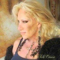 Vicki Diane | Social Profile