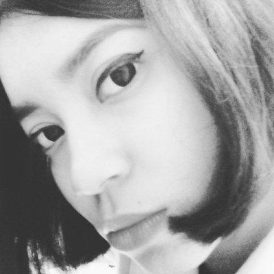 una | Social Profile