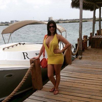 Karem Torres C   Social Profile