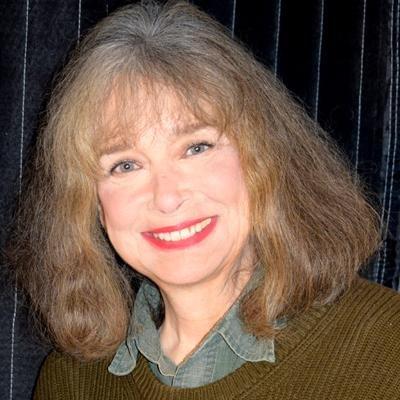 Paula Slade   Social Profile