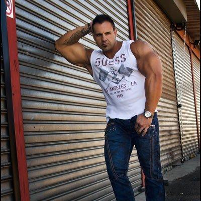 Freddie Klopper   Social Profile