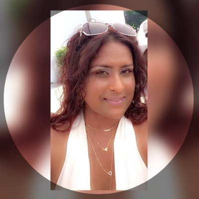 Rhona aka IslandGirl | Social Profile